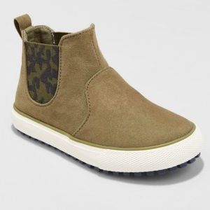 NWT Boys Anton Casual Fasion Boot-Olive